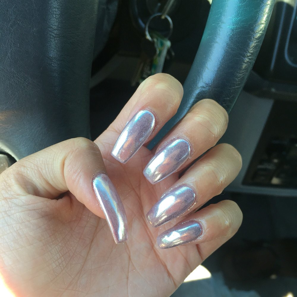 CHROME NAILS now available in 18 different colors, ask for Jada she ...