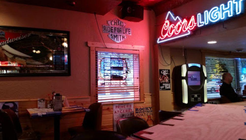Neighbors Eatery and Saloon: 5772 Main Ave, Albertville, MN