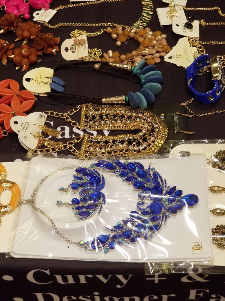 Sensationz African Boutique: 4219 Butterfield Rd, Hillside, IL
