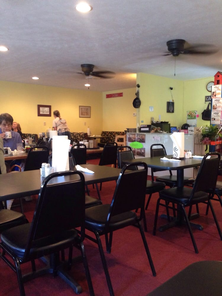 DavIna's Kountry Kitchen: 826 N Court St, Grayville, IL