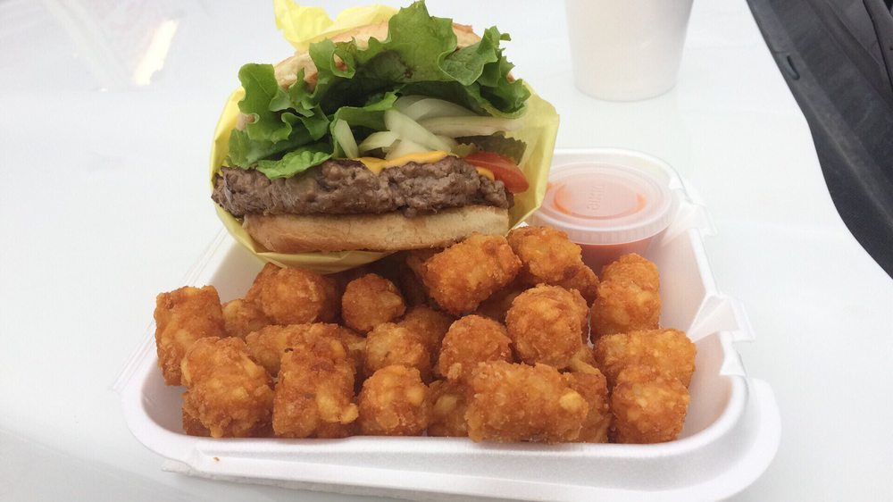 S'Socorro's Burger Hut: 710 Front St, Mina, NV