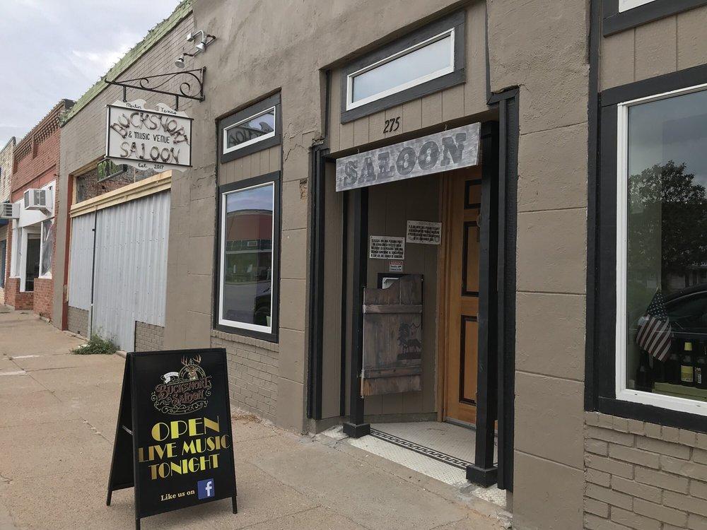 Bucksnort Saloon: 275 Live Oak St, Marlin, TX