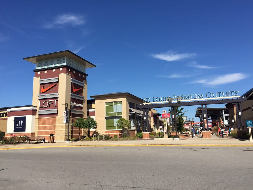 "Chesterfield Outlets is the best-located outlet center in the St. Louis market, featuring over a half-mile of frontage to I and accessibility via the Boone's Crossing full interchange. The open-air, ""village style"" center is comprised of , square feet of premier outlet retail."