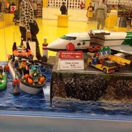 Foto su lego outlet store yelp for Lago store outlet