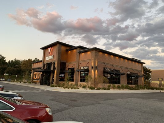 Bj S Restaurant Brewhouse 15701 Emerald Way Bowie Md Pubs