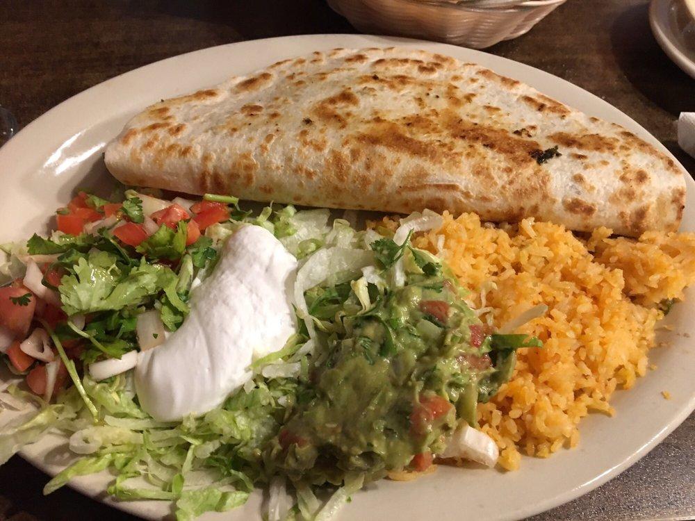 La Casa Mexicana: 1510 N Eaton St, Albion, MI