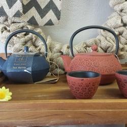 Trinkets Tea & Me - CLOSED - Tea Rooms - 217 S Kirkwood Rd, Kirkwood ...