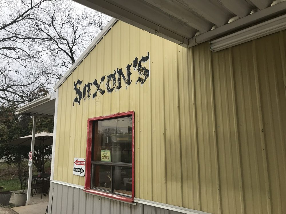 Saxon's Drive In: 601 W Madison St, Houston, MS