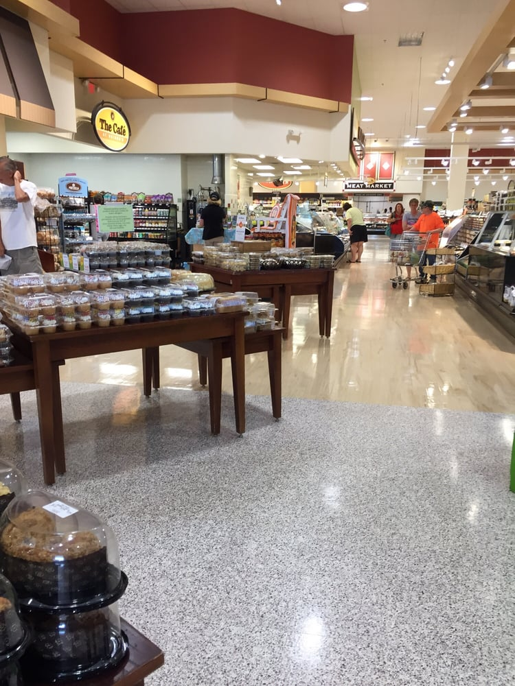 Heinen's Grocery Store: 115 N Chillicothe Rd, Aurora, OH