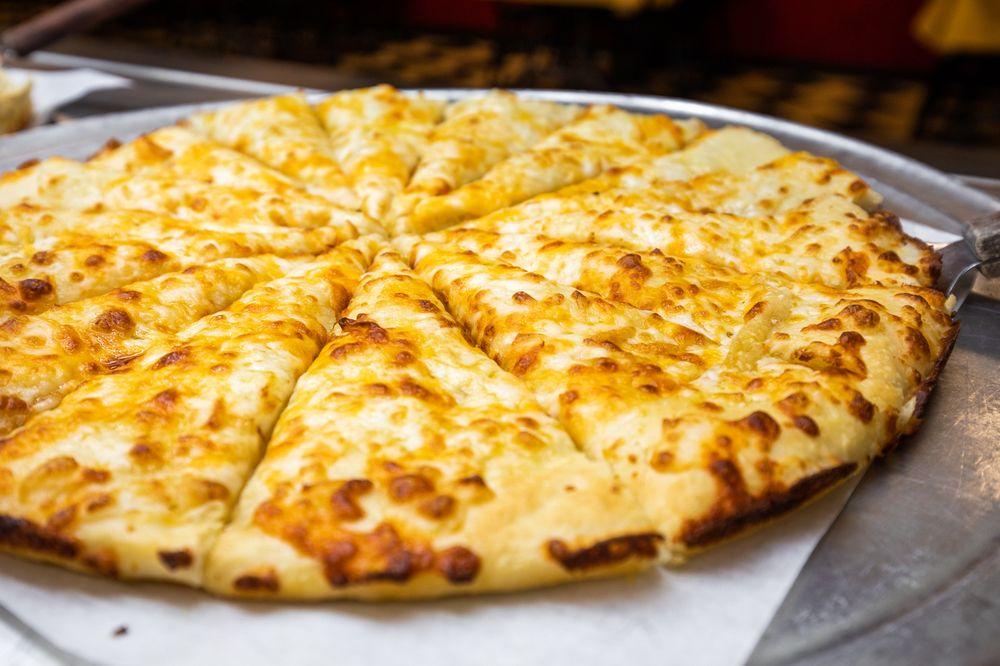 Pizza Inn: 902 Mississippi Dr, Waynesboro, MS
