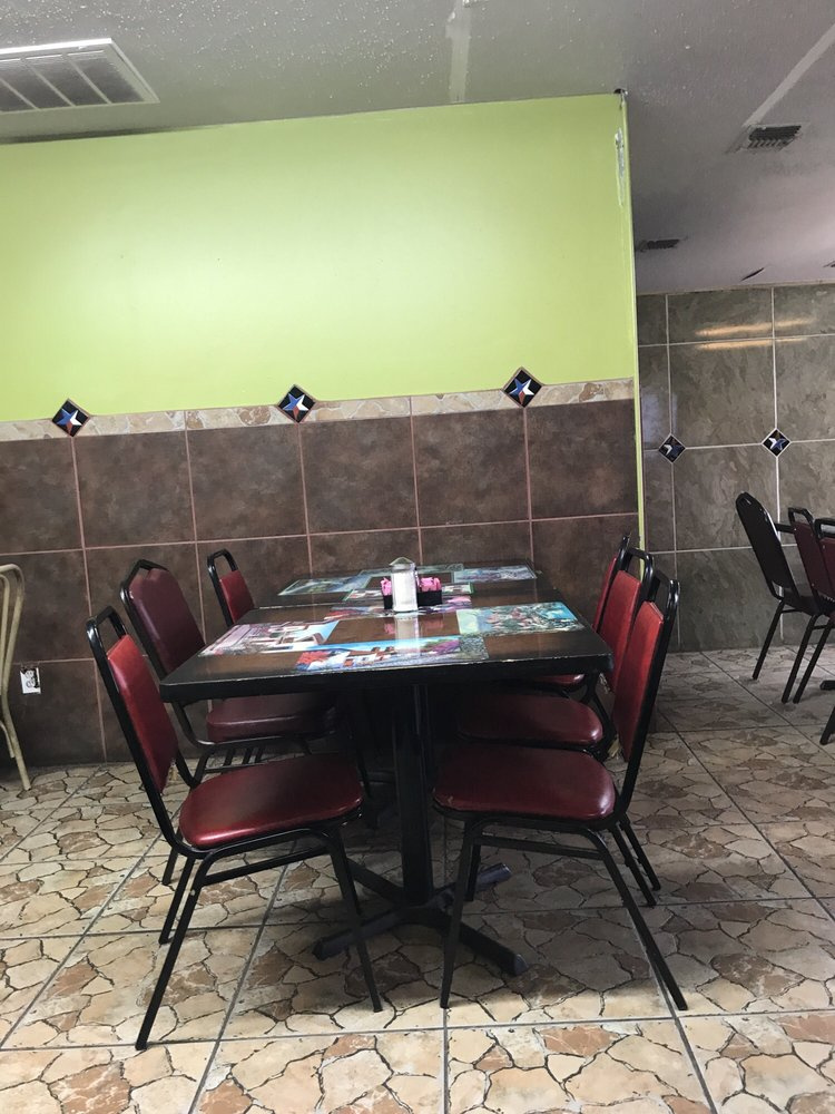 Taqueria Jalisco: 20204 Interstate 35 S, Lytle, TX