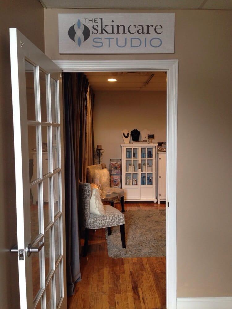 SkinCare Studio By Kristy Barry: 671 Washington St, Braintree, MA