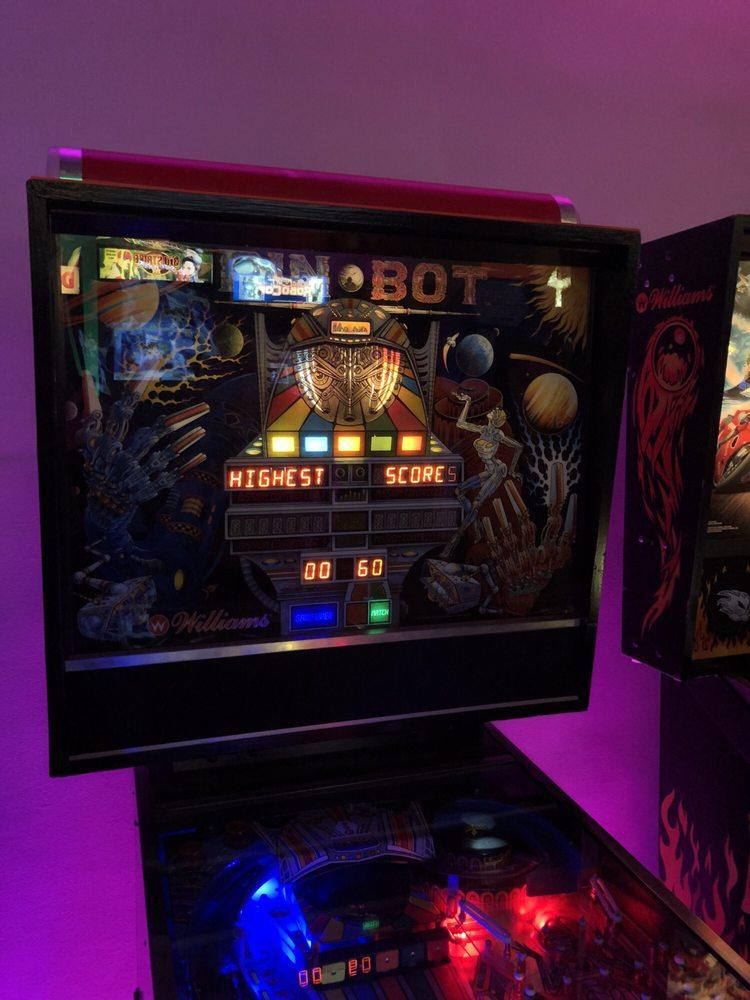 Neon Retro Arcade