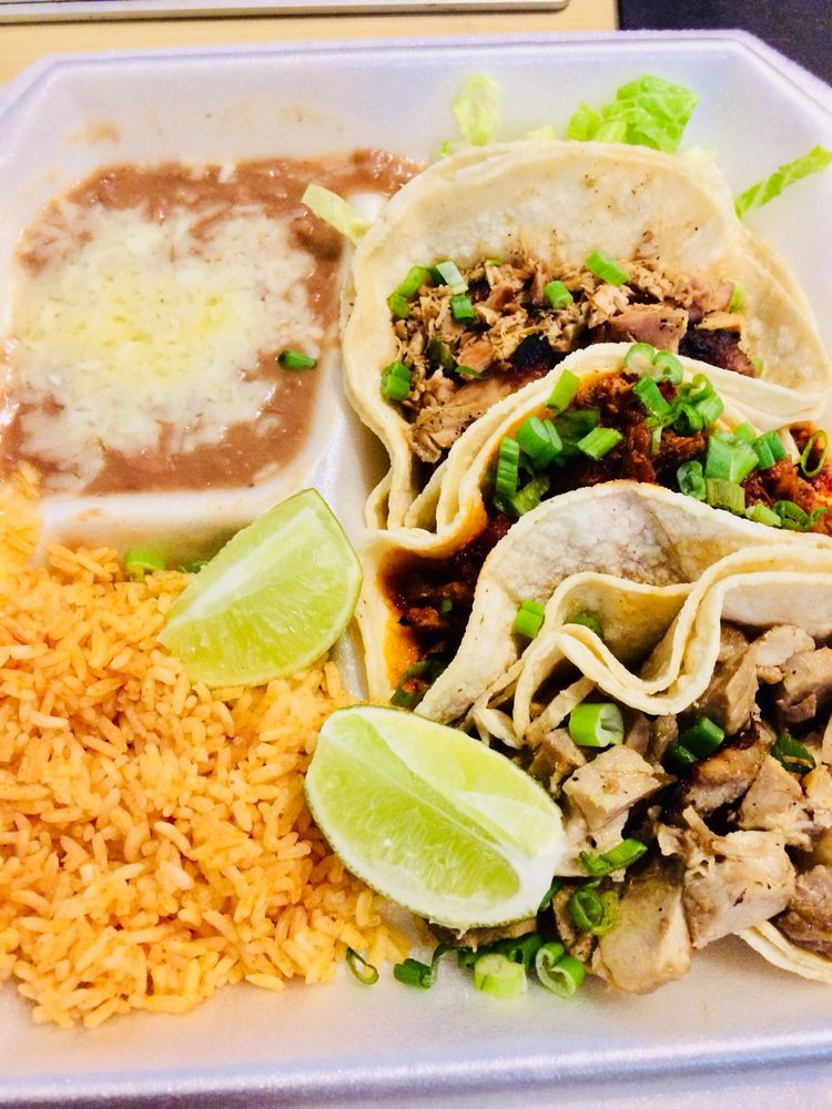 Casita Taco Al Carbon: 11300 Magnolia Blvd, North Hollywood, CA