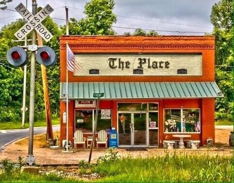Place Cafe: 707 Main St, Pope, MS