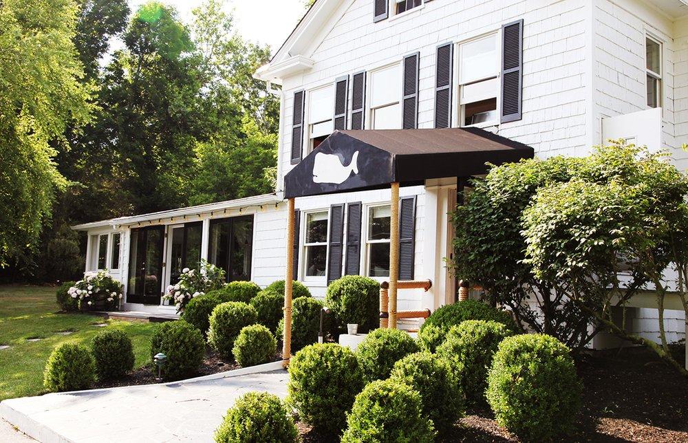 Moby's: 341 Pantigo Rd, East Hampton, NY
