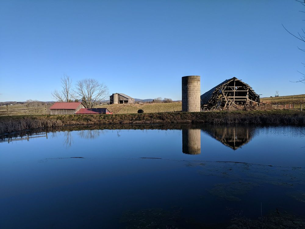 Hawk Knob Appalachian Hard Cider & Mead: 2245 Blue Sulphur Pike, Lewisburg, WV