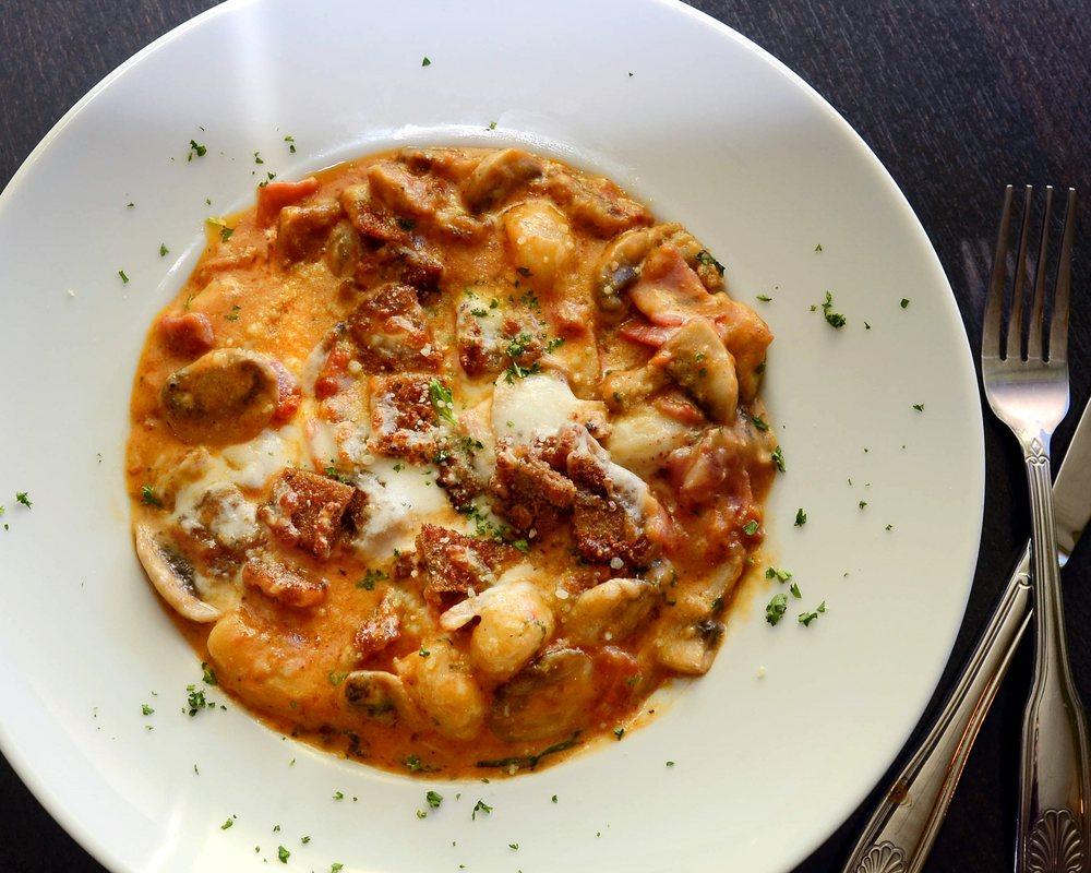 Bella Pasta - 31 Photos & 91 Reviews - Italian - 223 Newport Ave ...