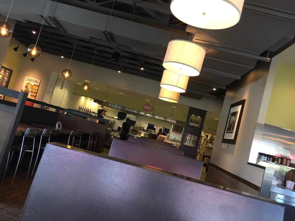 Noodles & Company: 2900 Milwaukee Rd, Beloit, WI