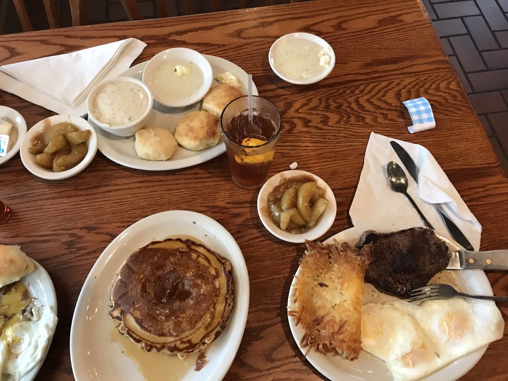 Cracker Barrel Old Country Store: 173 Valley St, Arkadelphia, AR