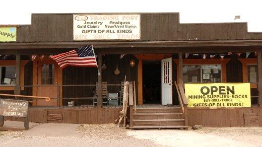 T & J Trading Post: 33150 Coldwater Canyon Rd, Black Canyon City, AZ
