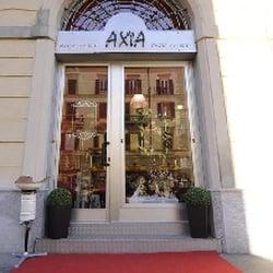 Axia parrucchieri parrucchieri via vigevano 20 porta for Arredamento parrucchieri milano