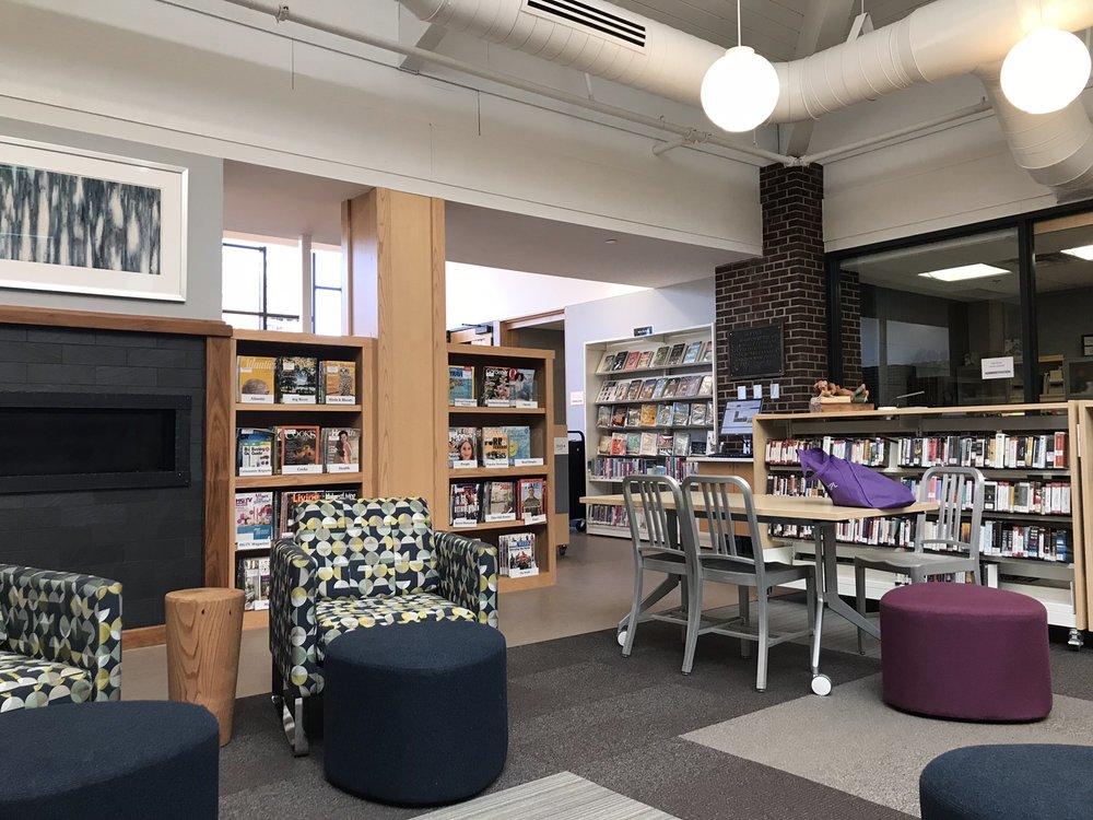 Lake City Public Library: 201 S High St, Lake City, MN