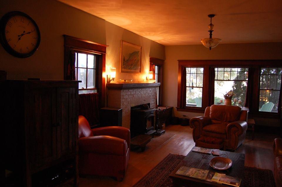The Craftsman Inn Moro: 608 Main St, Moro, OR