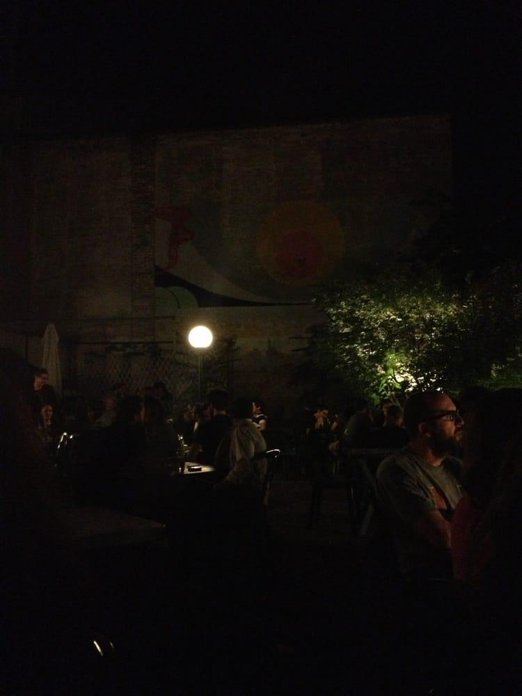 Frizzi e lazzi pub via evangelista torricelli 5 porta - Pub porta romana ...
