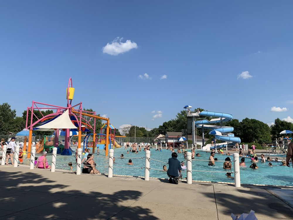 Anoka Aquatic Center: 1551 7th Ave, Anoka, MN