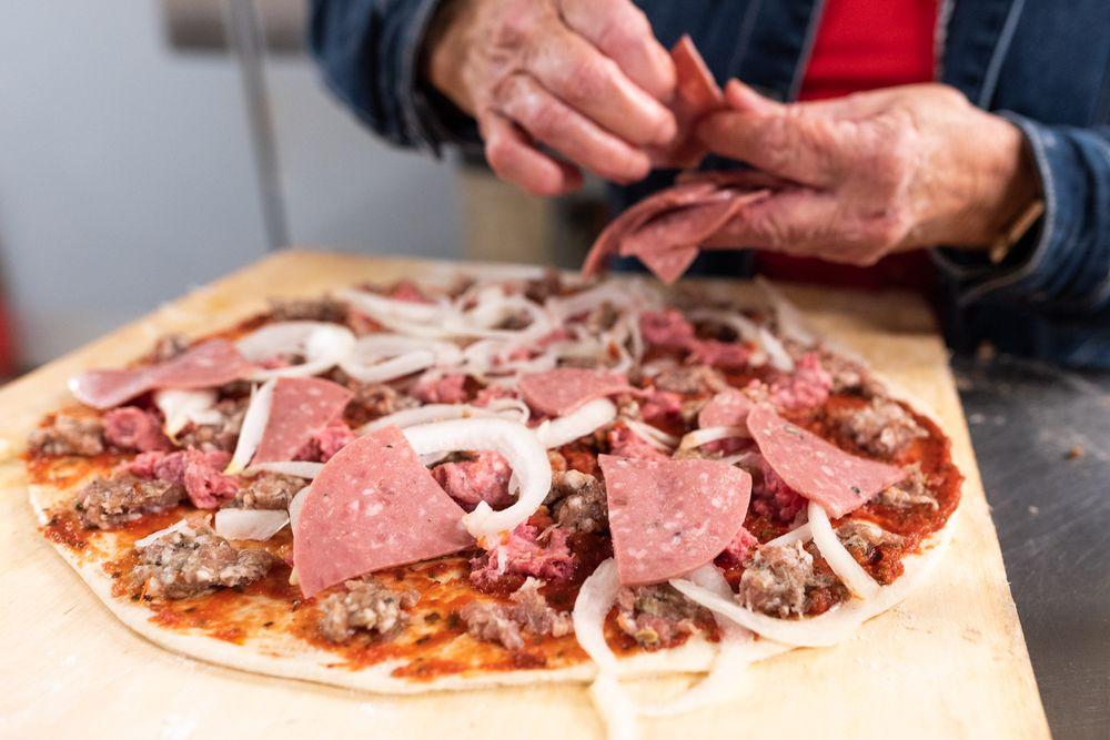 Dell's Pizza: 1654 N Pinal Ave, Casa Grande, AZ