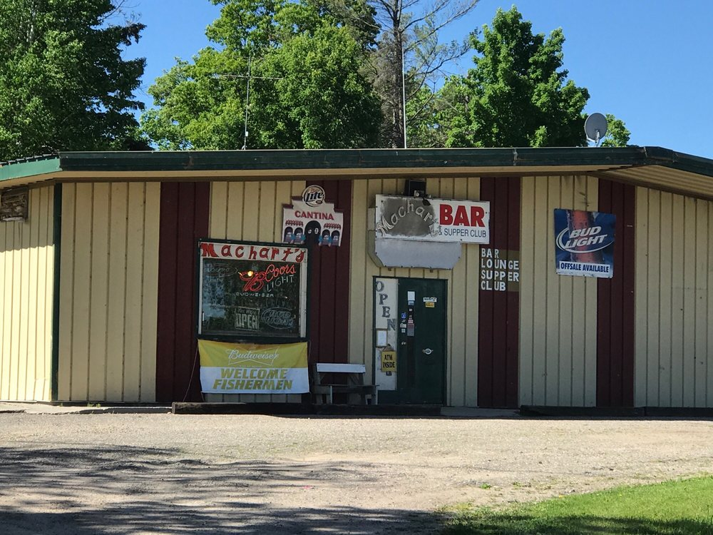 Earl Marchart's Bar & Grill: Federal Dam, MN