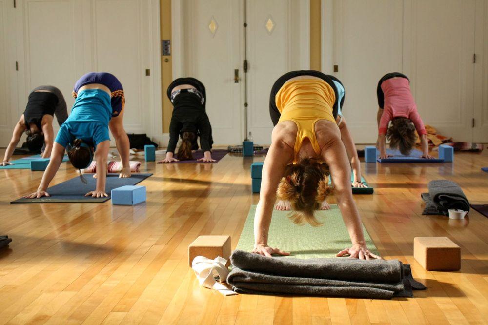 Social Spots from School Street Yoga