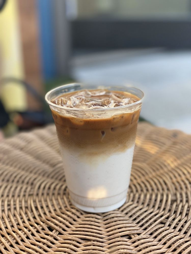 Cara Vana Coffee Shop