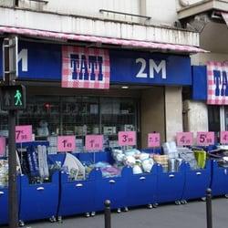 Tati discount store 4 bd rochechouart barb s goutte d - Boutique decoration mariage paris ...