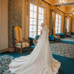 The Bride's Shop - 25 Photos & 33 Reviews - Bridal - 430 E S