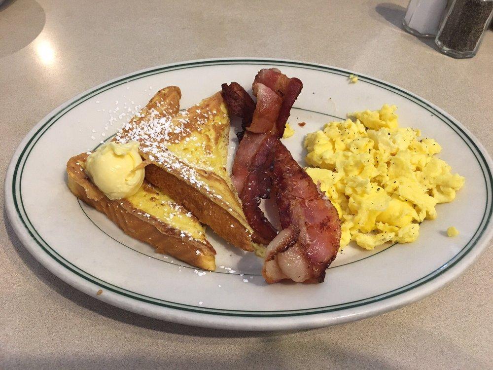 The Station Restaurant: 635 2nd St SE, Bandon, OR