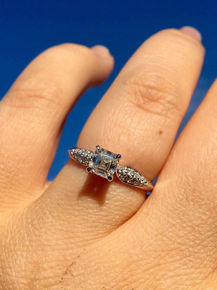 Bixler's Jewelers: 3900 Hamilton Blvd, Allentown, PA