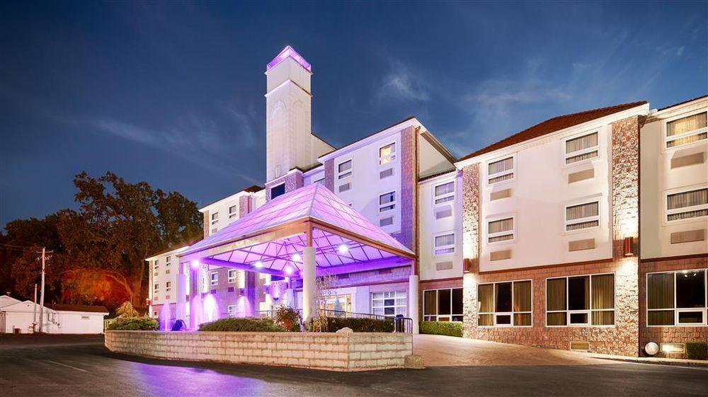 Best Western Plus Sandusky Hotel & Suites: 6011 Milan Rd, Sandusky, OH