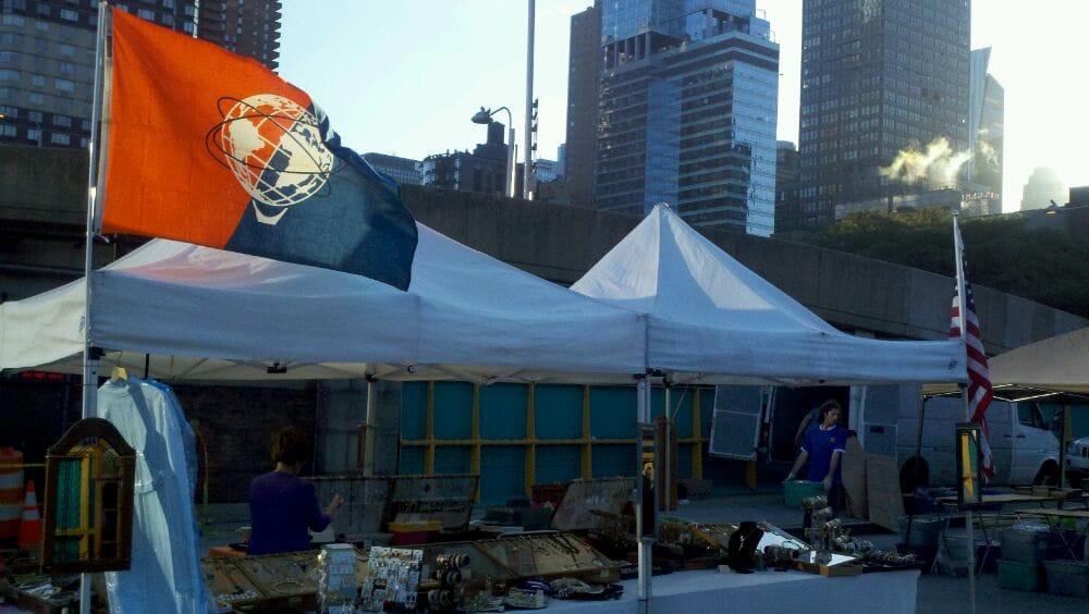 Hell Kitchen Flea Market New York Ny United States