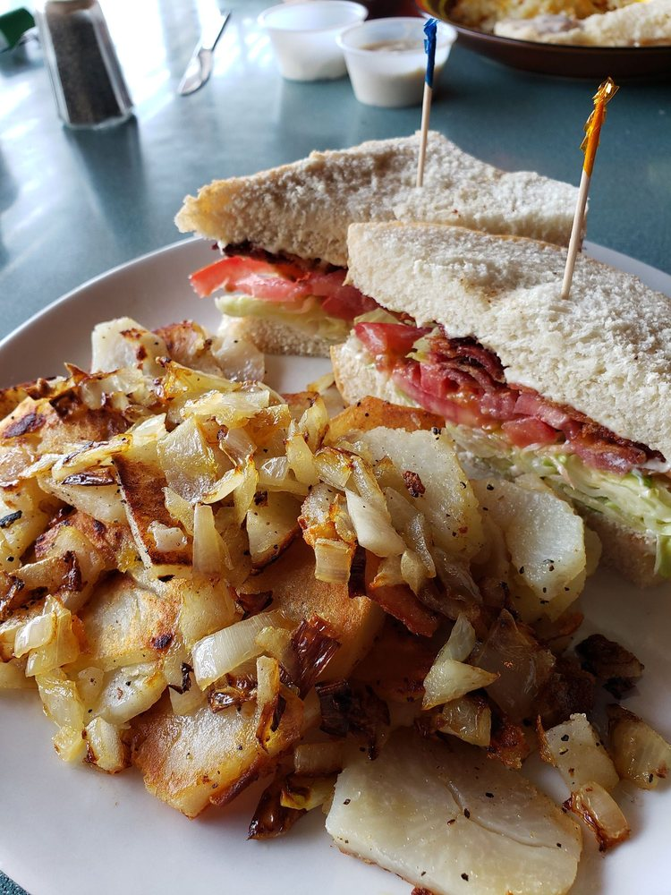 Frederick's Cafe: 400 N Capitol Ave, Corydon, IN