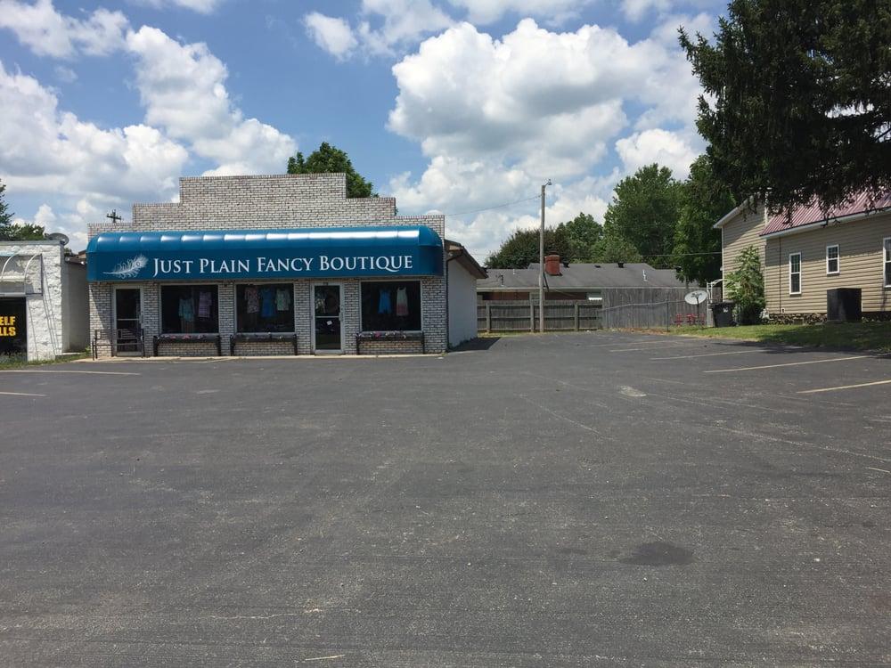 Just Plain Fancy Boutique: 150 W College Ave, Stanton, KY