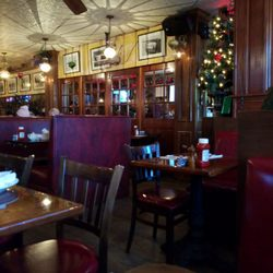 Photo Of Indian Wells Tavern Amagansett Ny United States