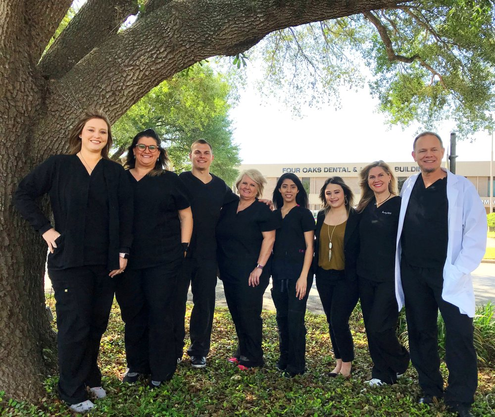 Four Oaks Dental: 109 Shult Dr, Columbus, TX