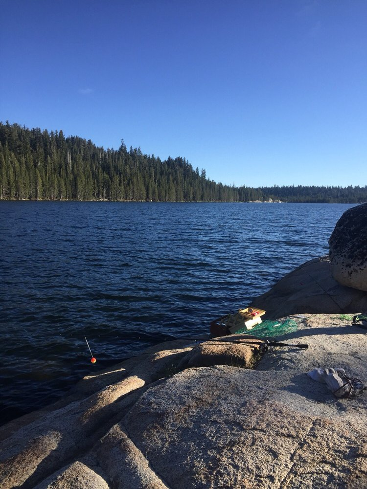 Lake Alpine: Hwy 4, Bear Valley, CA