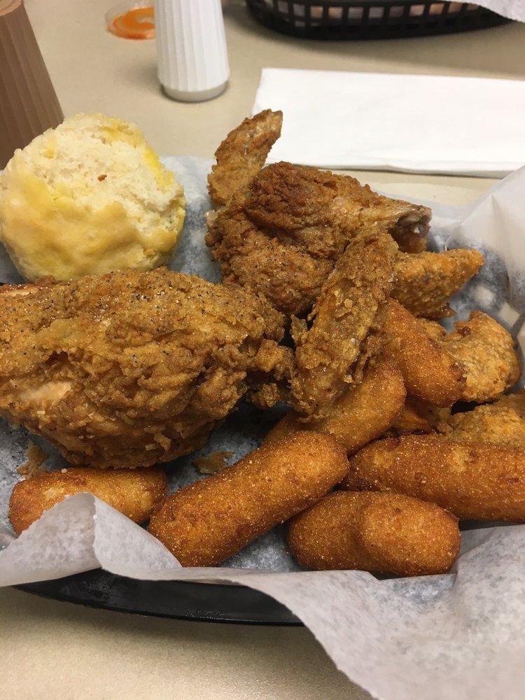Walsh's Chicken: 24 West Church St, Martinsville, VA