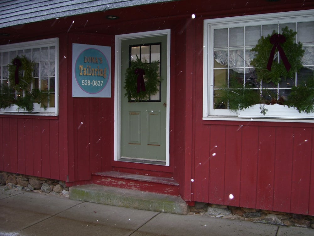Dona's Tailoring: 19 Dean Ave, Franklin, MA