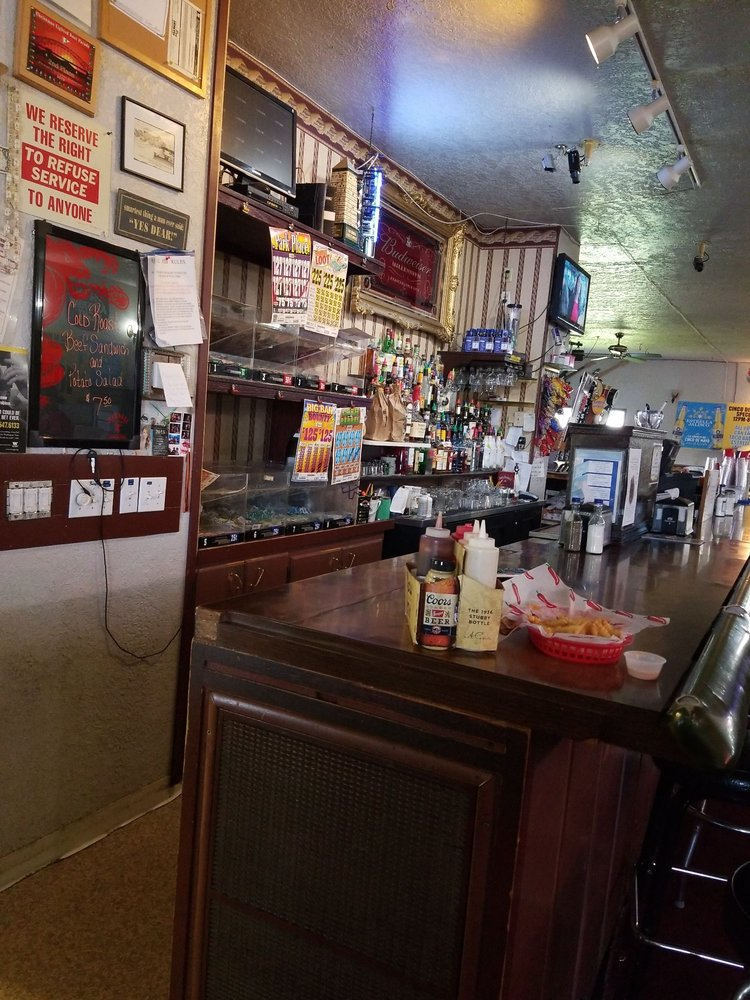 Longbranch Bar & Grill: 230006 E Sr 397, Kennewick, WA