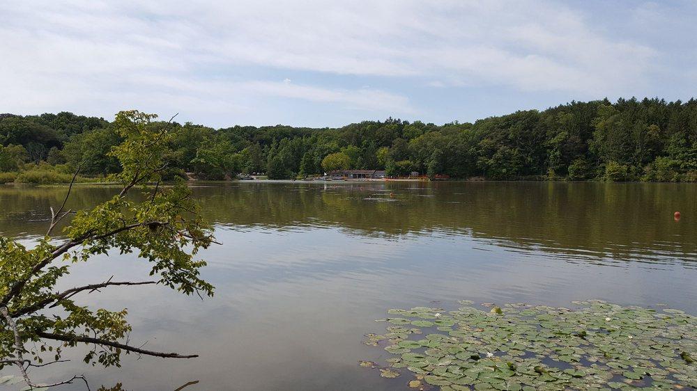 Hinckley Lake Boathouse: 1 West Dr, Hinckley, OH