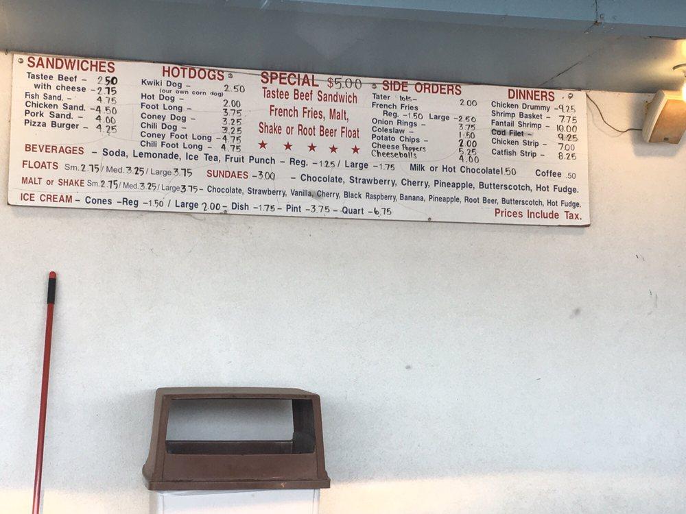 Tastee Treet Drive Inn: 413 W 4th St, Yankton, SD